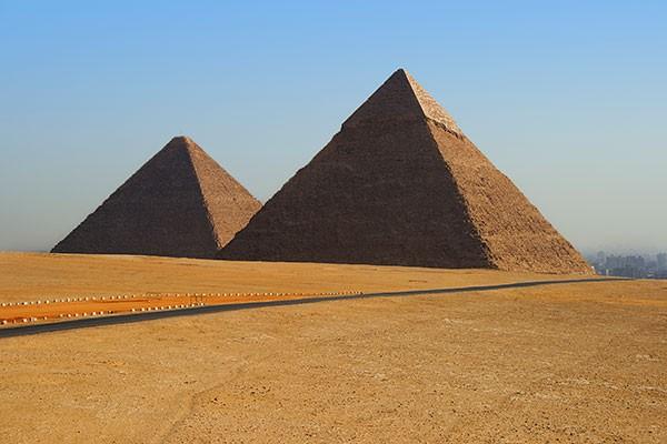 piramidy-989