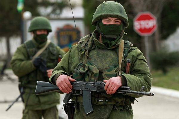 rosja-zielone-ludziki-krym-02920