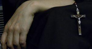 zakonnica-ziolo-palenie-1