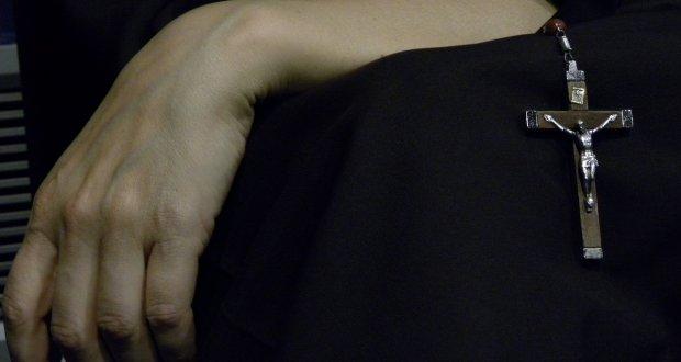 Jarające zakonnice. Czy palenie zioła to grzech?, kanabis.info